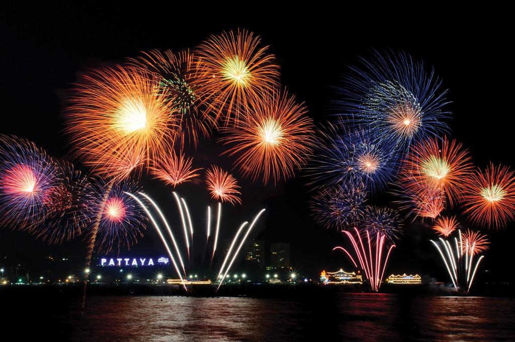 จัดเต็ม-เที่ยวเทศกาลพลุนานาชาติเมืองพัท