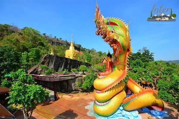 เที่ยววัดถ้ำผาแด่น ชมความตระการตาของธรรมชาติและประติมากรรม ที่เที่ยว ที่เที่ยวไทย ที่เที่ยวสกลนคร เที่ยววัดถ้ำผาแด่น